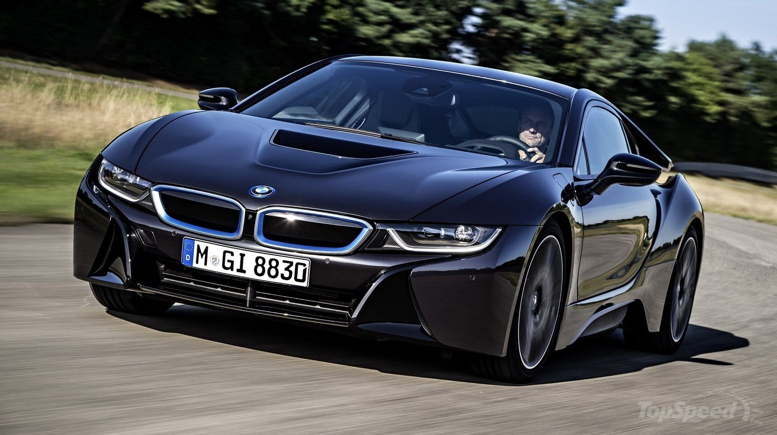 Getting To Know The BMW Hybrid Supercar (w/ Video)