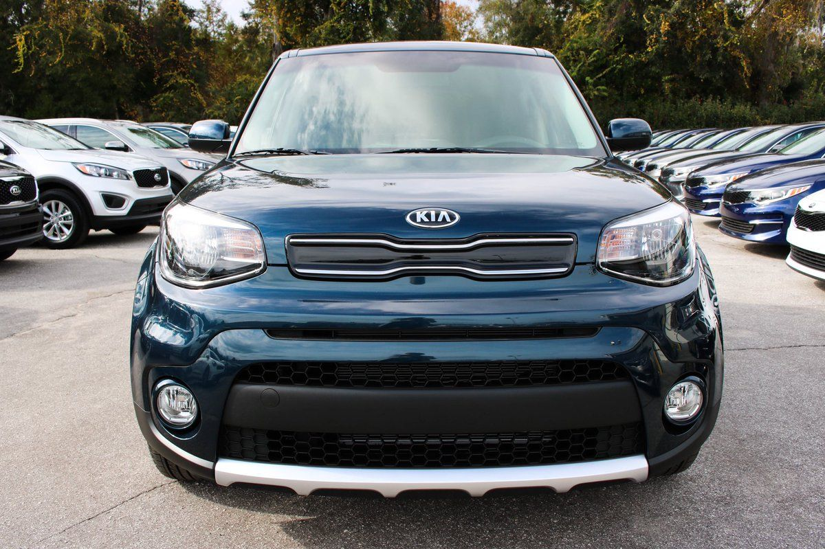 No Monday Blues Here Just This Stunning 2018 Kia Soul Plus In Mysterious Blue Enjoying Some Time In The Sun Monday Tallykia Soul Kia Soul Kia Tallahassee