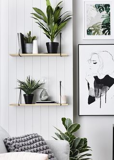 Strak zwart-wit urban jungle interieur met grafische prints // via The Design Chaser #bedroomdesignminimalist