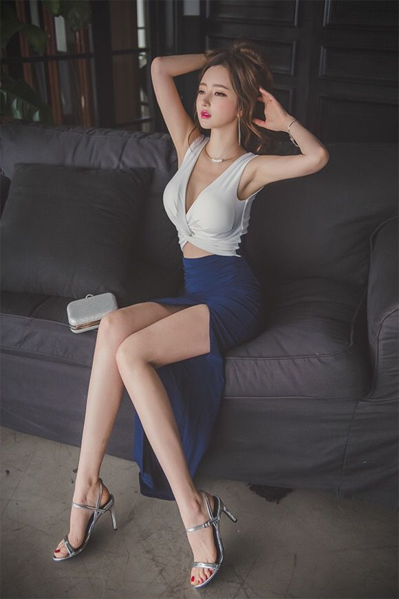 Rather Sexy asian girls long legs