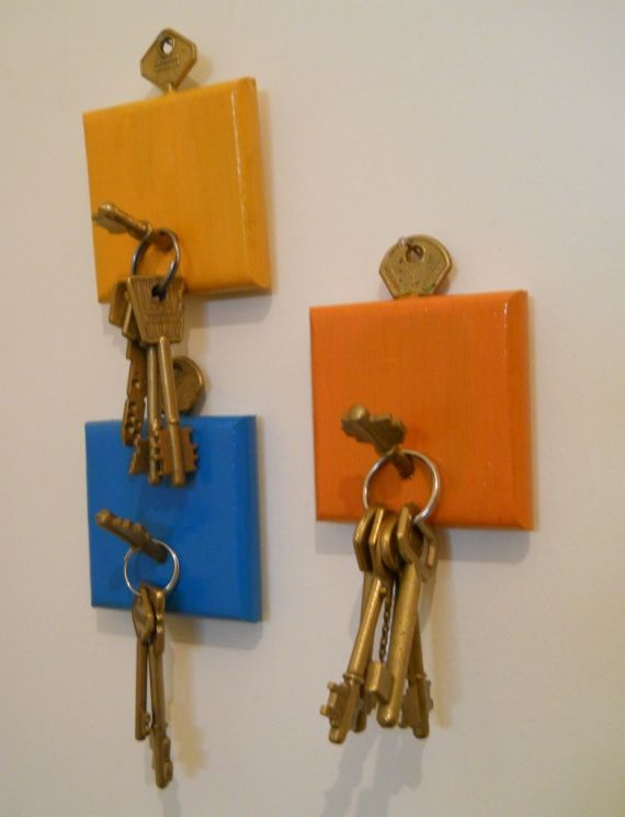Ideas para reciclar llaves porta llaves pinterest for Perchas para colgar llaves