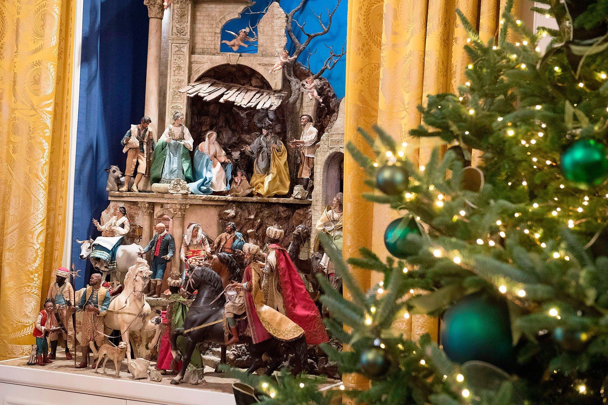 Wonderfull Elegant Christmas Decorations Nativity Following Site Ti Visit Temasisteminet