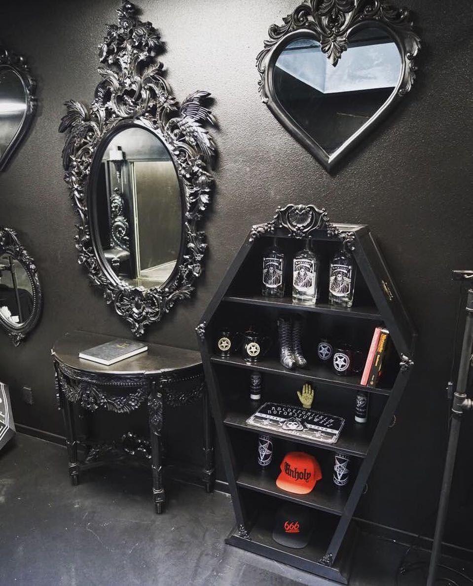 pin von loreleyland auf int rieur gothique victorien baroque pinterest haus zuhause und wohnen. Black Bedroom Furniture Sets. Home Design Ideas