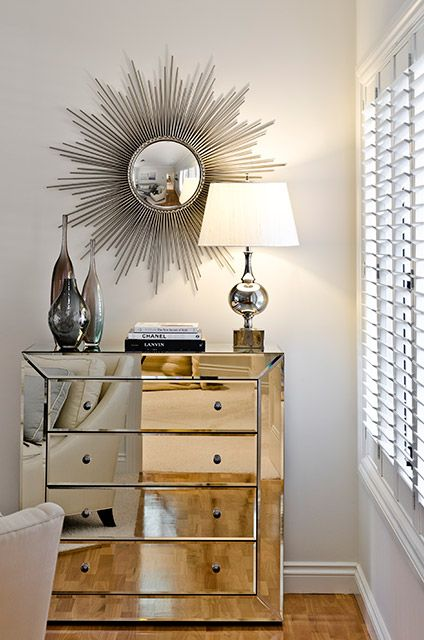 Highgate House Beautiful Mirrored Chest Of Drawers Topped With