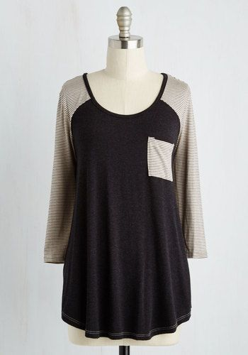 Lounging the day away in this raglan top, you wonder to yourself if there's ever been a chill sesh sweet as this one. Cutely flaunting a charcoal front to contrast with its finely ivory-striped back, 3/4 sleeves, and chest pocket, this soft shirt sees that your downtime looks delightful!