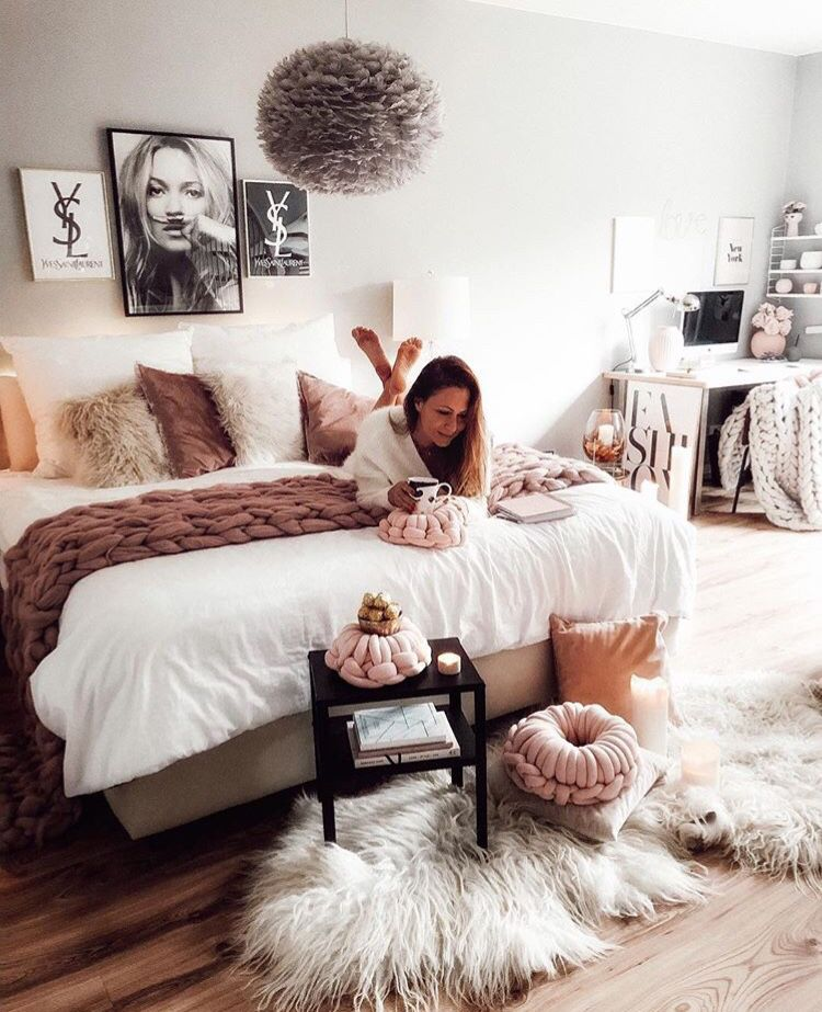Warm and cosy bedroom inspiration with desk area | Bedroom ...