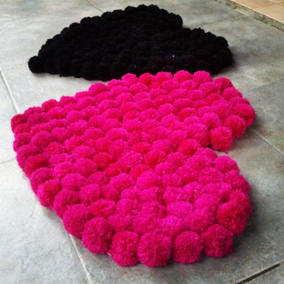 Alfombra de lana realizada con pompones de lana en base - Alfombras hechas a mano con lana ...
