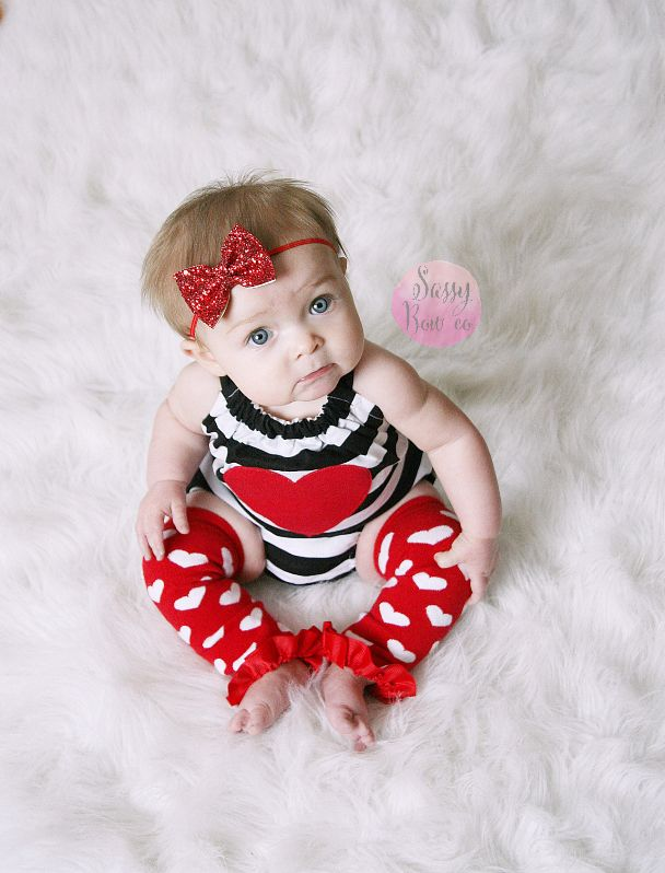 Little darling ready for Valentine's Day! The red glitter bow is the perfect gift for all occasions!