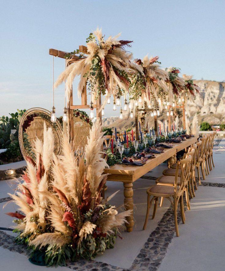 Outdoor Hochzeitsdeko mit Pampasgras & Eukalyptus