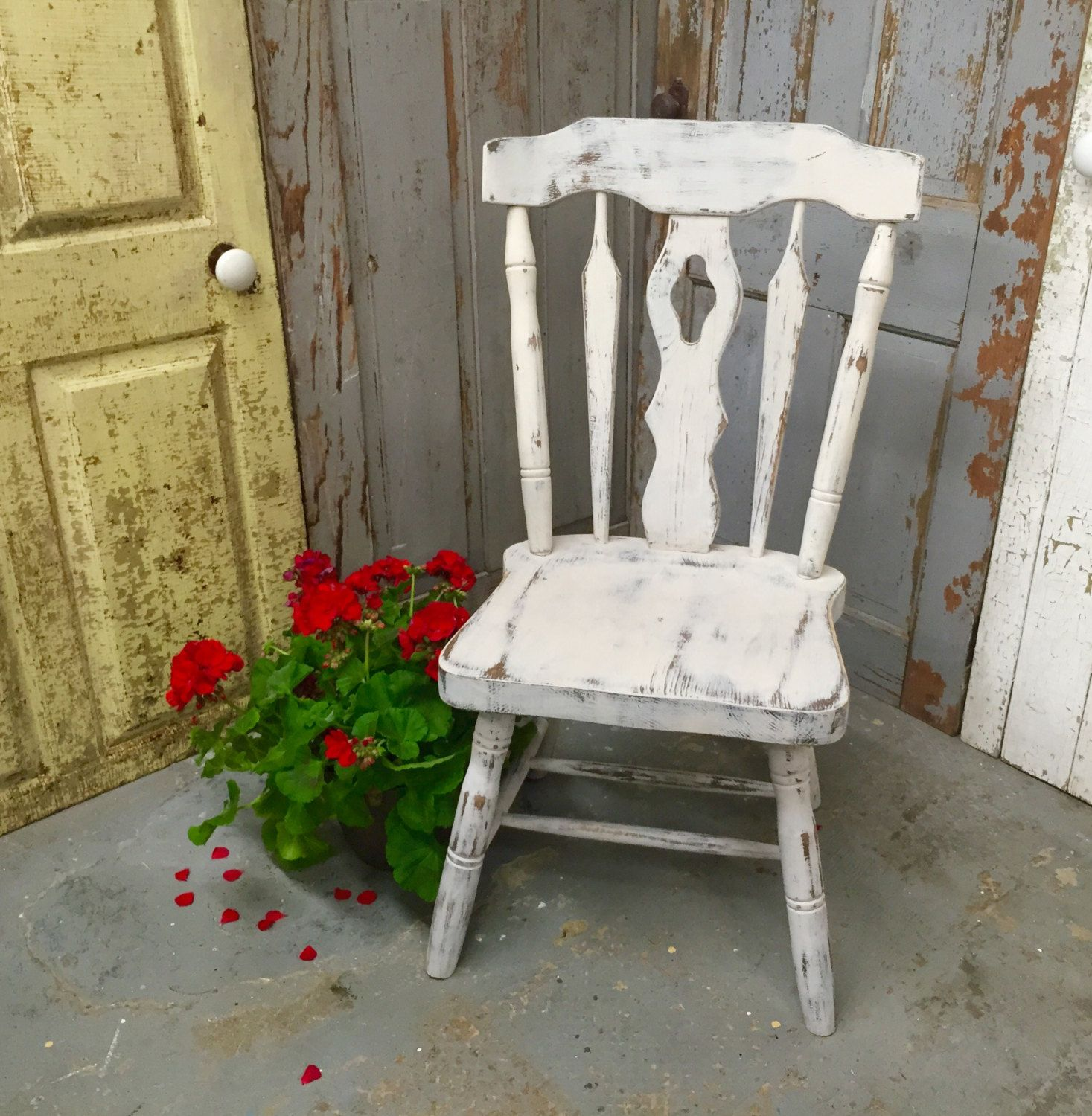 Gray Accent Chair Vintage Wood Chair Country Chic Distressed Painted Furniture Shabby Ch Shabby Chic Chairs Shabby Chic Furniture Diy Shabby Chic Furniture