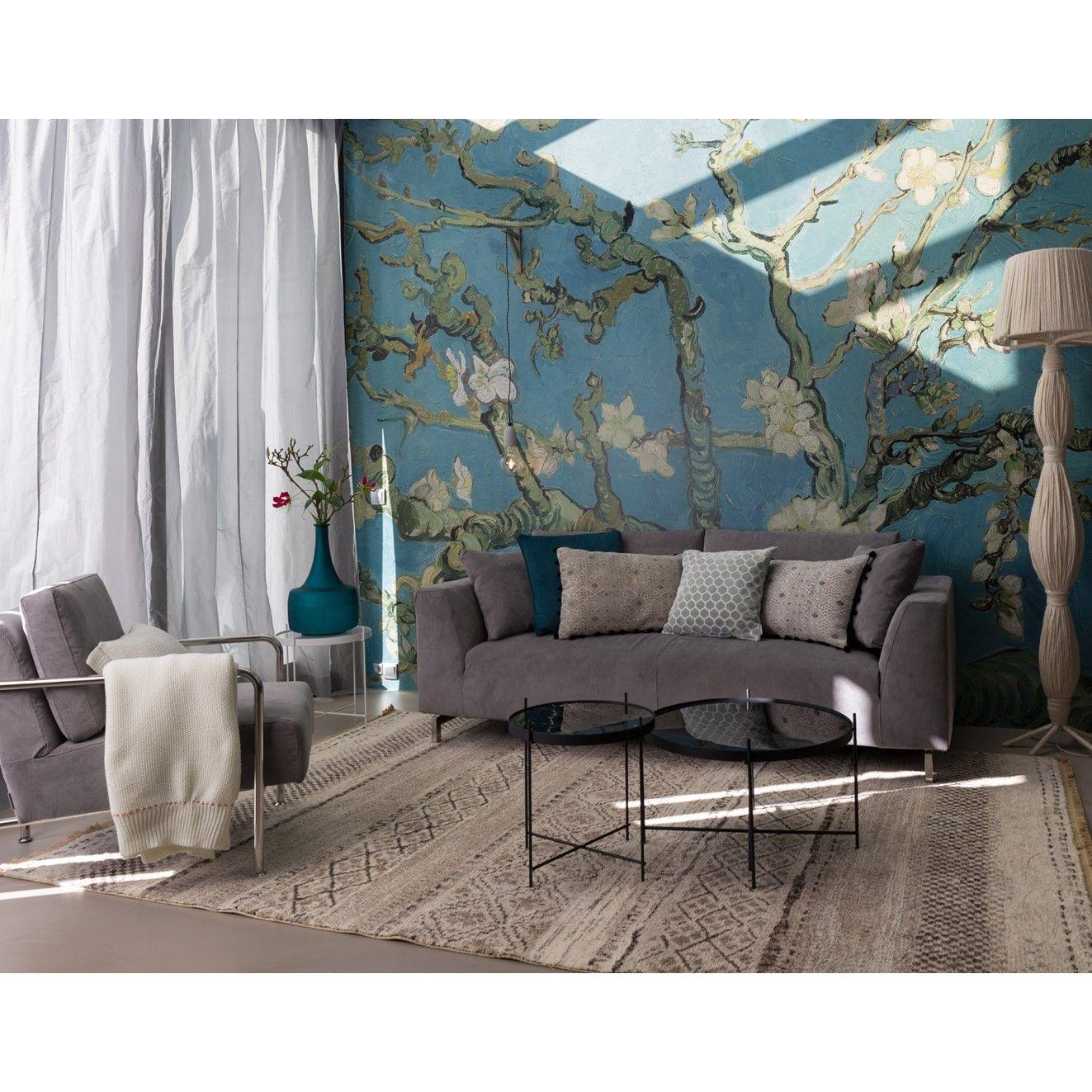 Un Salon Très Design Et Lumineux Avec Un Magnifique Mur Floral Et - Canape tres design