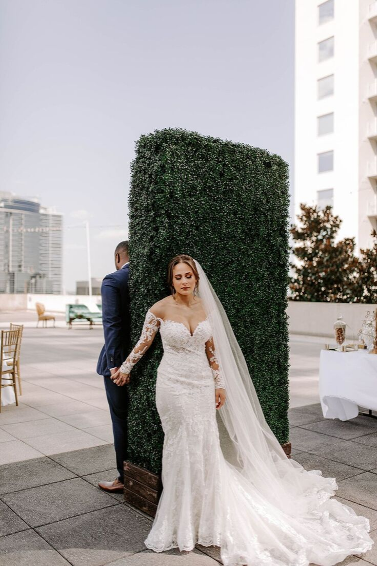 8ft Hedge Walls Orlando Wedding And Party Rentals Orlando Wedding Wedding Dresses Party Rentals