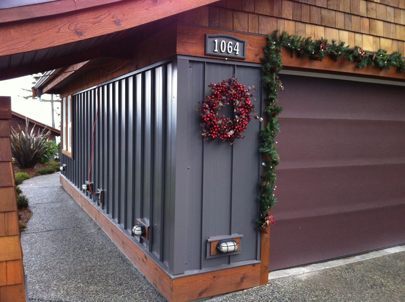 Unusual But Beautiful Combination Of Metal And Wood Shake Siding We Love This Look But Would Replace The Real Metal Siding House Metal Siding Metal Buildings