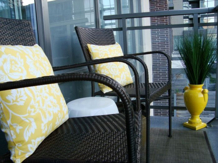 Balkon Deko Ideen Gelbe Bodenvase Rattansessel | Balkonmöbel ... Bodenvase Deko Ideen