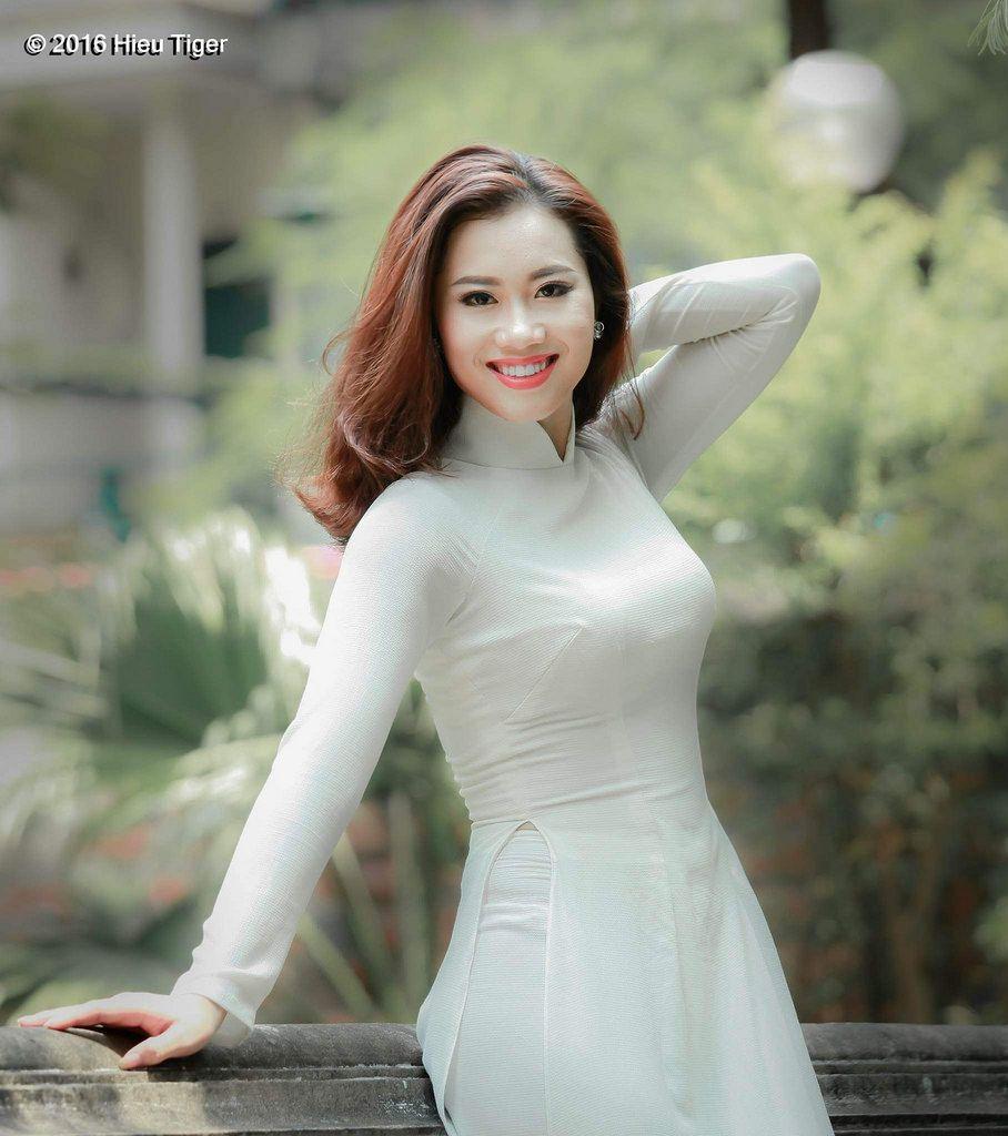 Pin on Vietnamese Ladies in Traditional Clothing áo dài