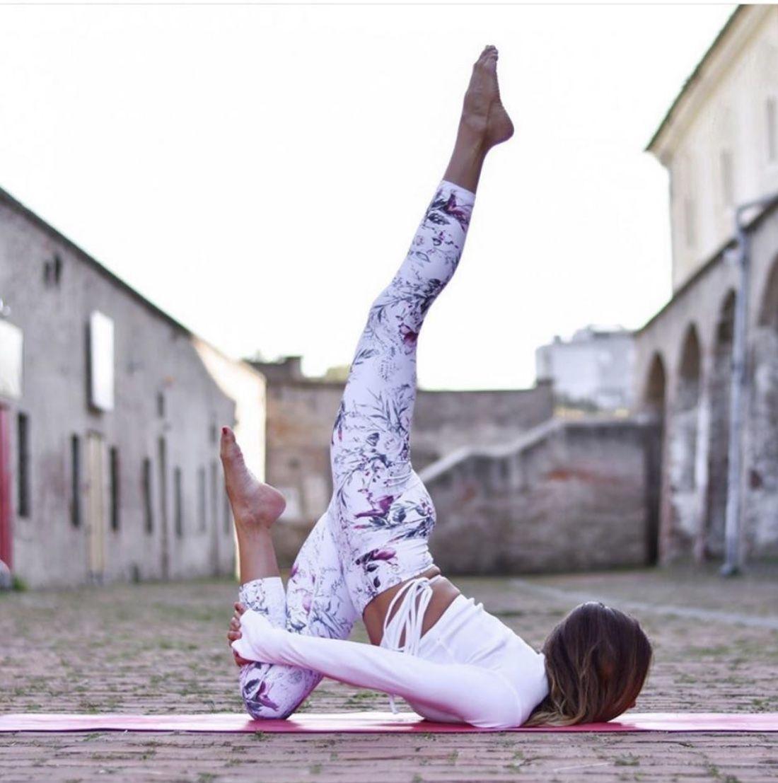 Pin di Silvia Bormida su Yoga splits