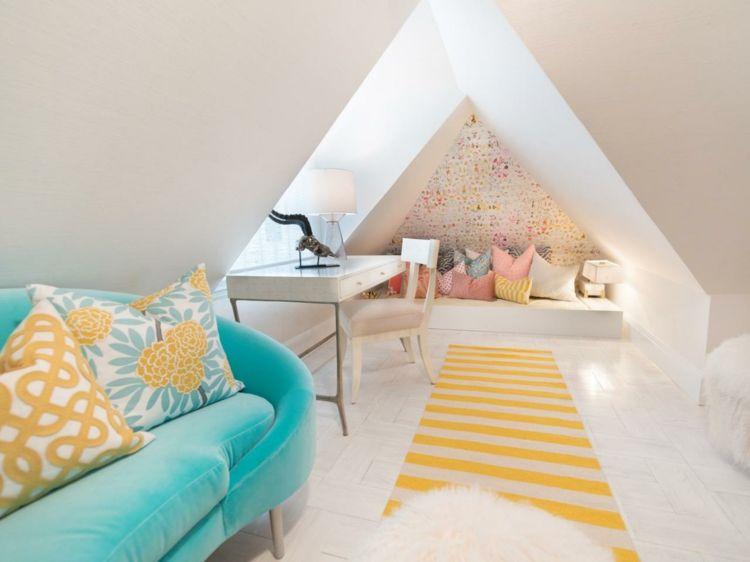 Charmant Jugendzimmer Mit Dachschräge Modern Blau Canape Gelb Akzente Schlafecke