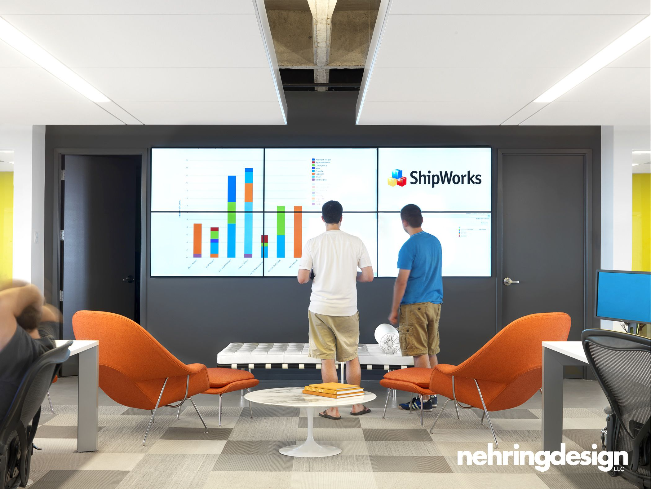 Interesting video wall in an open space For quick impromptu