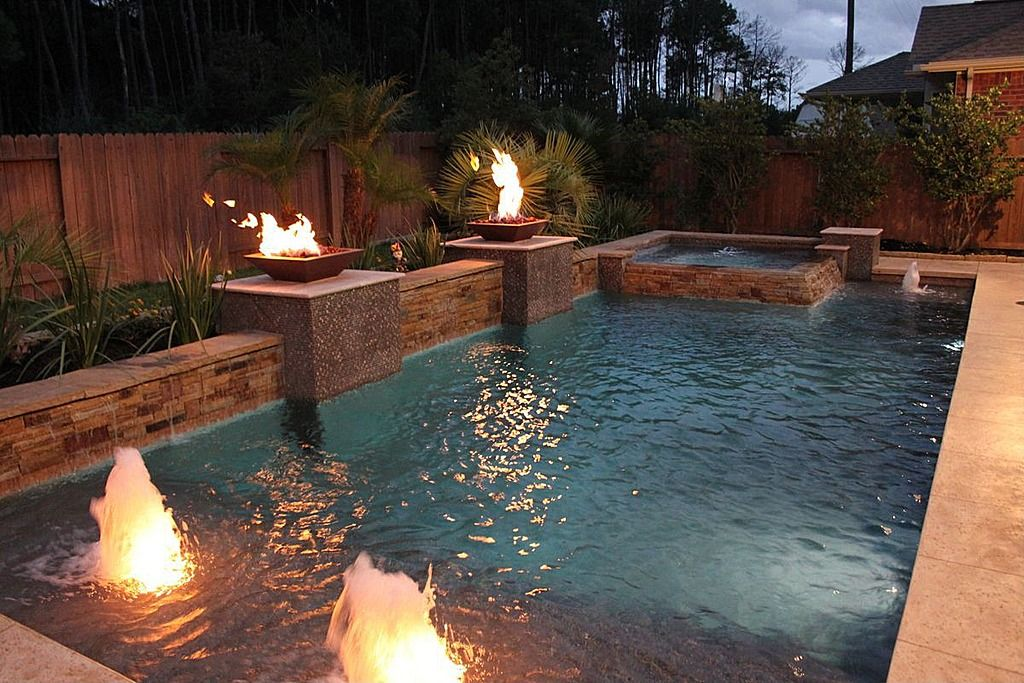 Love The Fire And Water Backyard Pool Landscaping Geometric