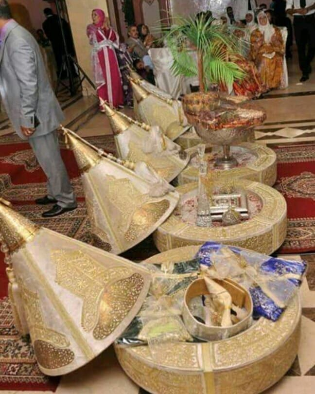Moroccan Dfouaa The Husband Give Gifts To His Wife In Yours Wedding Moroccan Wedding Diy Wedding Decorations Wedding Gifts Packaging Indian Wedding Gifts