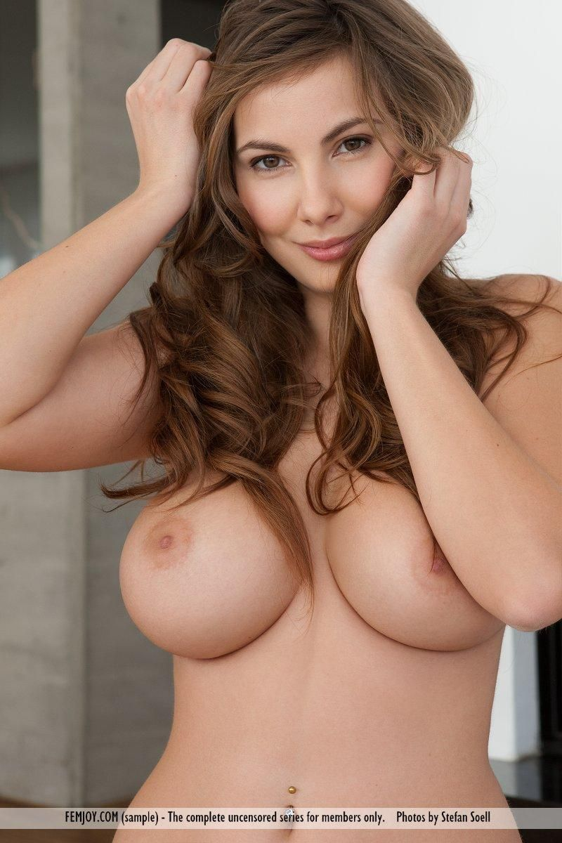 Women Naked With Big Tits