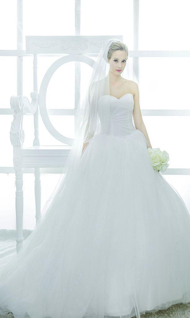Bustier ballgown wedding dress rental Singapore | Wedding gowns ...
