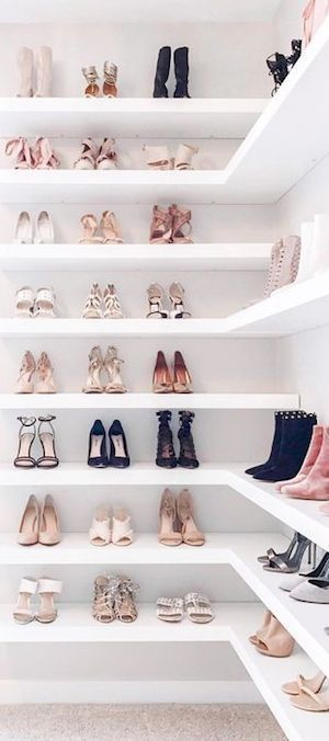 Walk in closet for shoes. oh Yea ESTILO BY MELIDA approved -