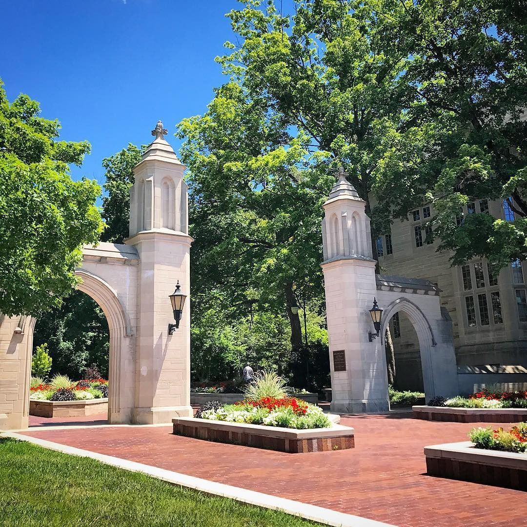 From Our Friends At Iu Iubloomington There S No Place Quite Like Iu In Summer Indianauniversity Iu Iubloomingt Indiana University House Styles Mansions