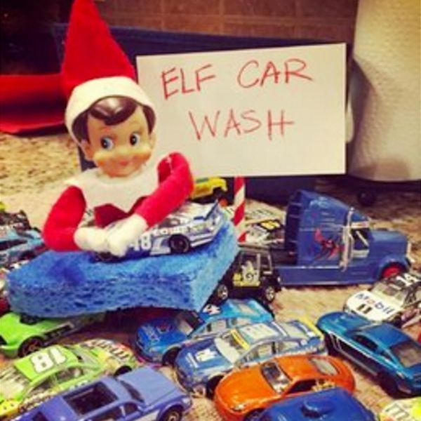 101+ Elf on the Shelf Ideas for Christmas 2020 (crazy elf! such PRANKS!) #easyelfontheshelfideaslastminute