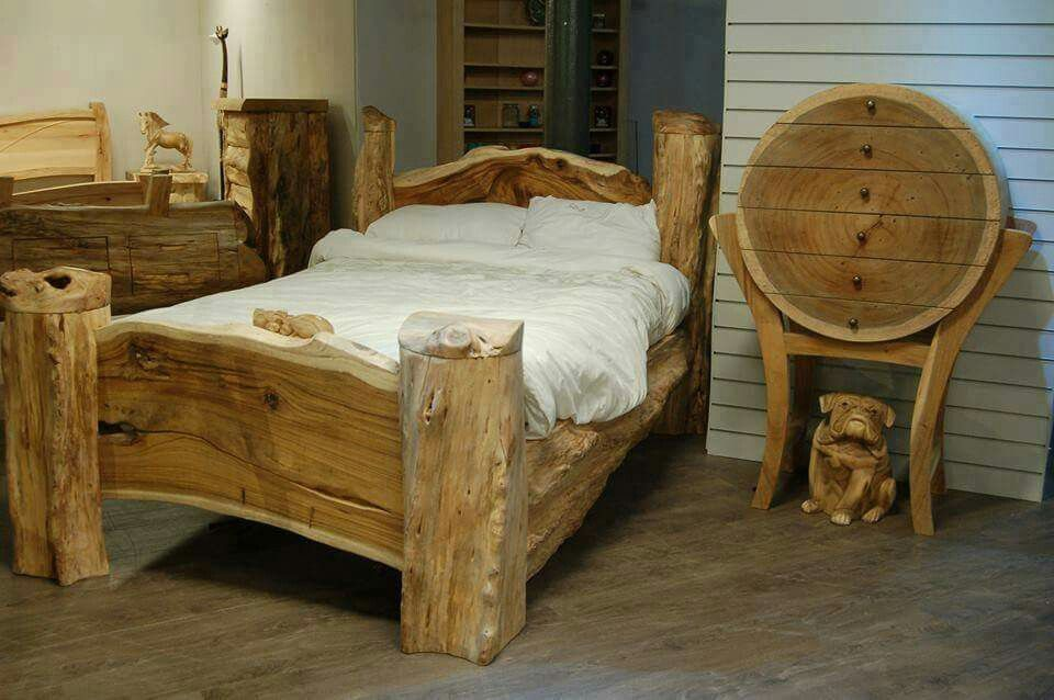 Pin de Zt en Chainsaw Furniture | Pinterest | Marco de cama de ...