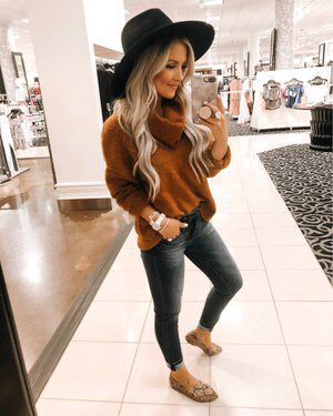 Pin By Ana Rose Sutherland On Fashion For Mum In 2020 Outfits