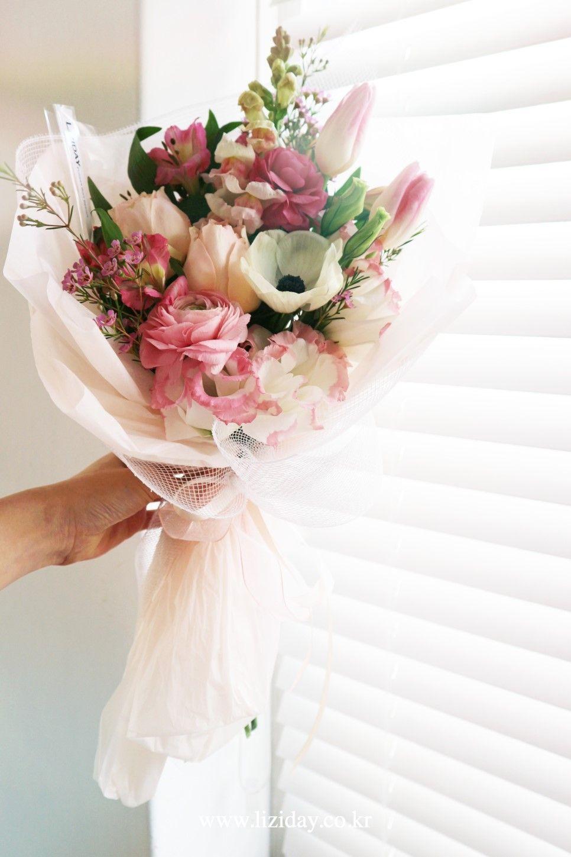 봄 제철꽃 여자친구 꽃선물 믹스꽃다발 by 리지데이 2020 봄 꽃다발, 꽃, 꽃다발