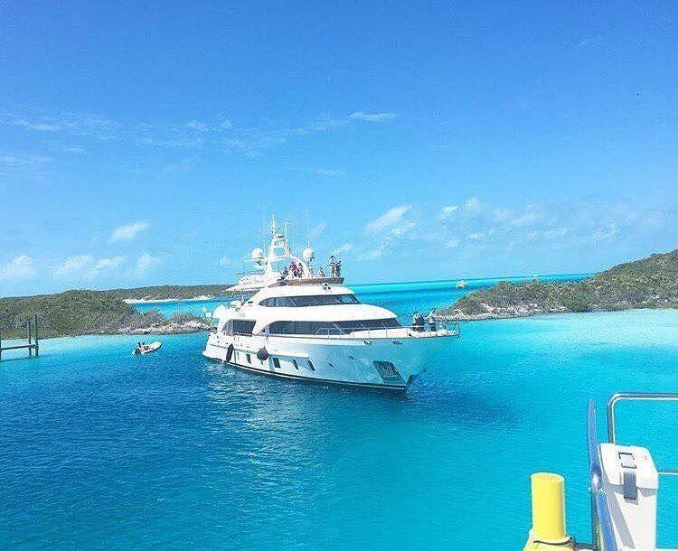 Bahamas wedding yacht rentals for luxury bahamas wedding