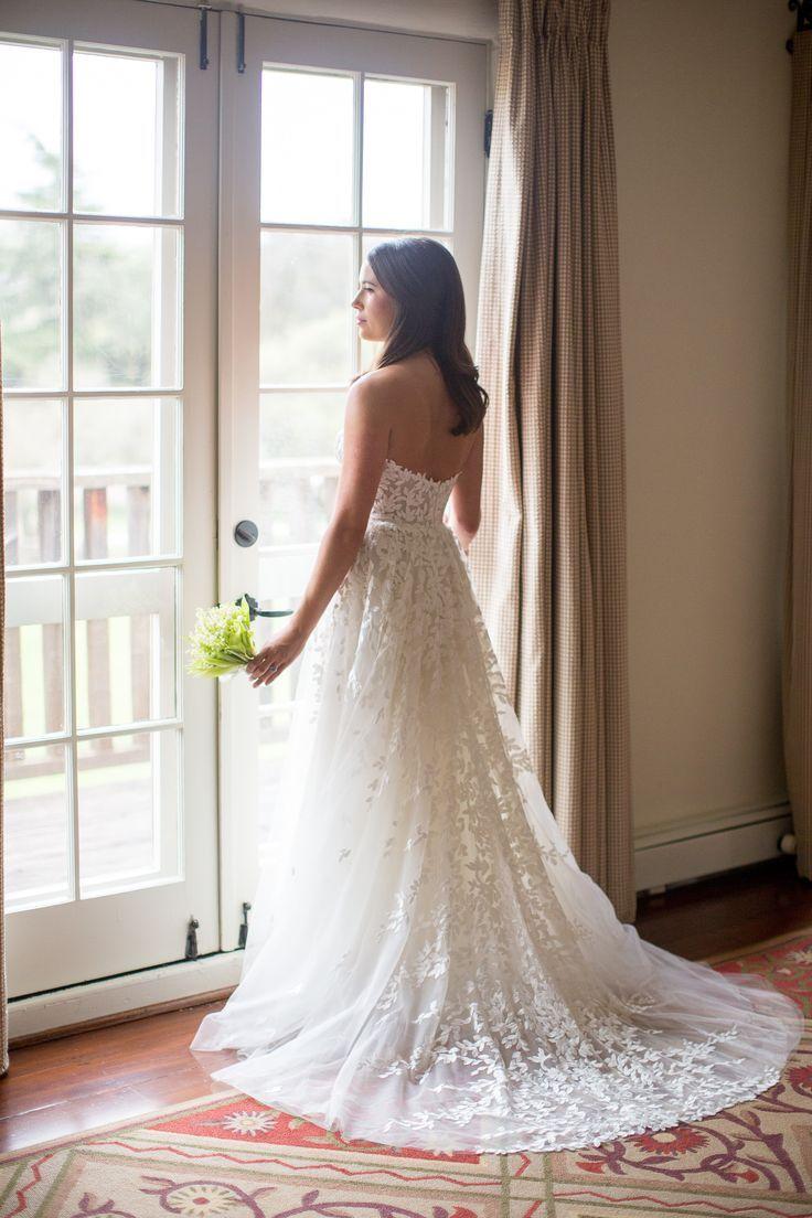 Wedding dress for a refined bride