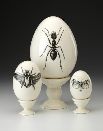 I have several pieces by this artist, Laura Zindel, but no eggs... yet.....