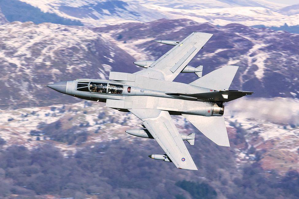 Tornado GR 4A (ZA372 '006') callsign 'Wolf 1' of 12(B) Squadron