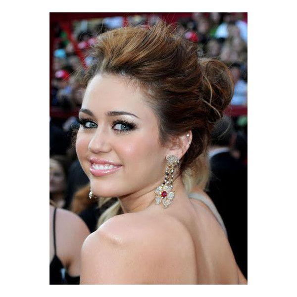Miley Cyrus Updo Hairstyle Looks Like A Princess Beauty Hair Styles