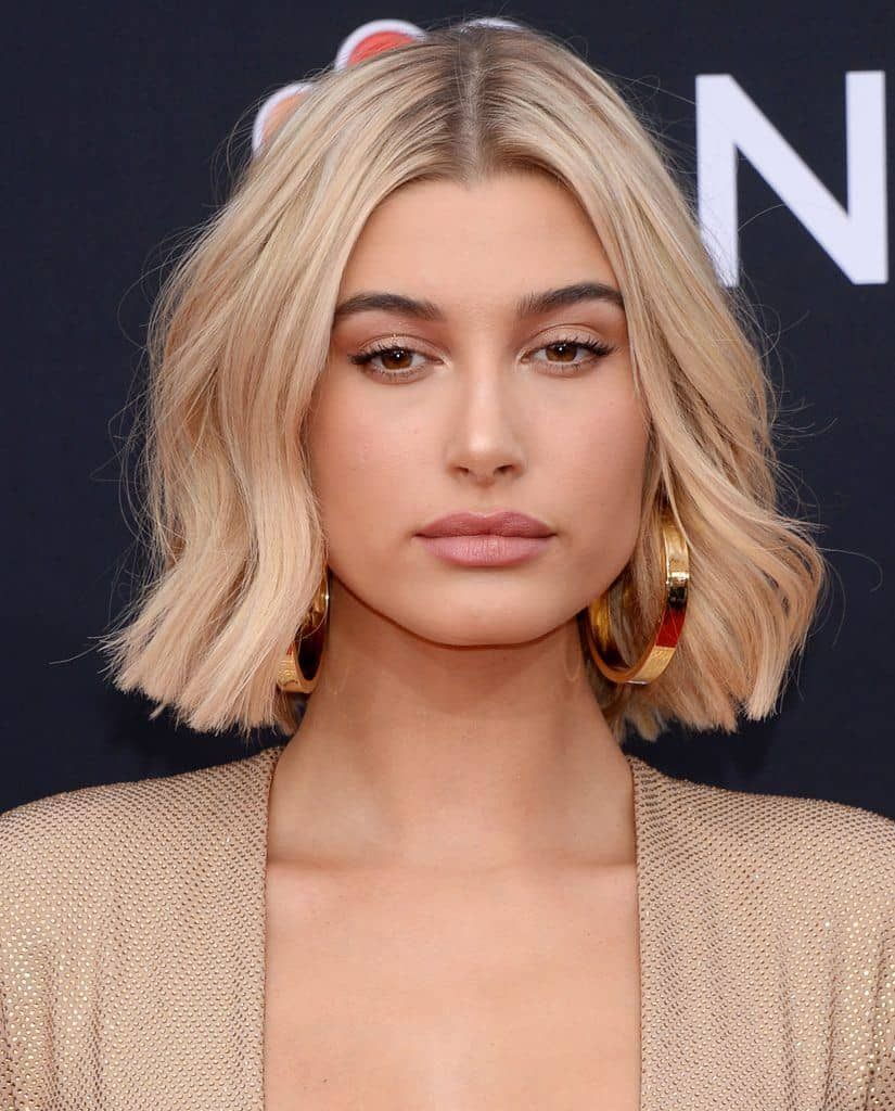 Trendy Women Hairstyles 2021 Chin Length Bob In 2020 Blonde Bob Hairstyles Thick Hair Styles Short Hair Styles