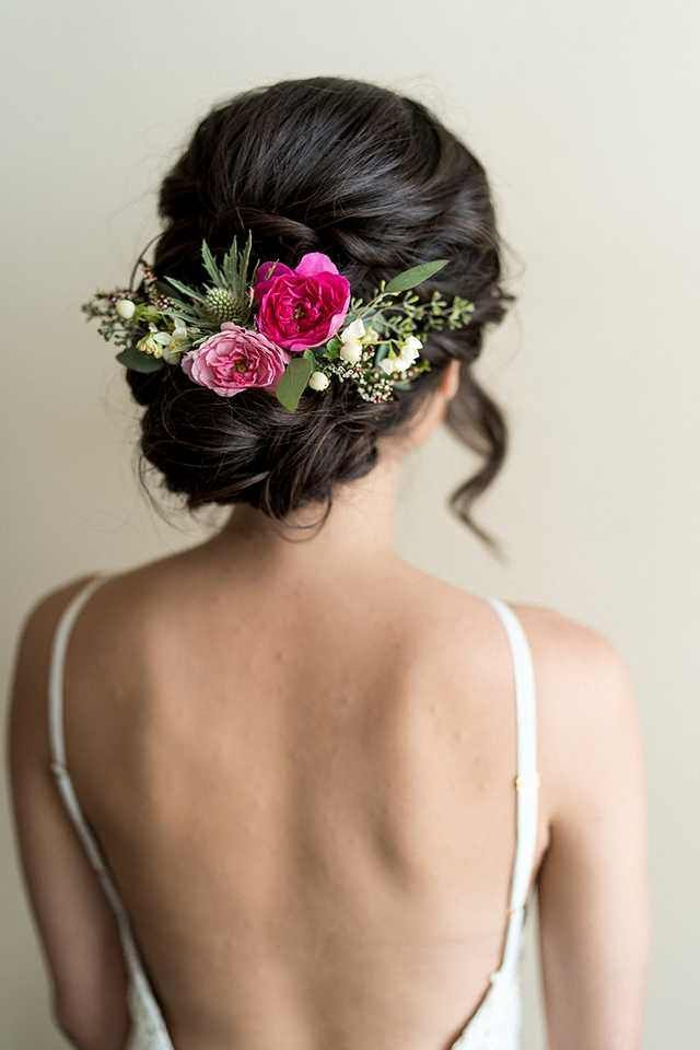 Wedding Hair with flowers #brautblume