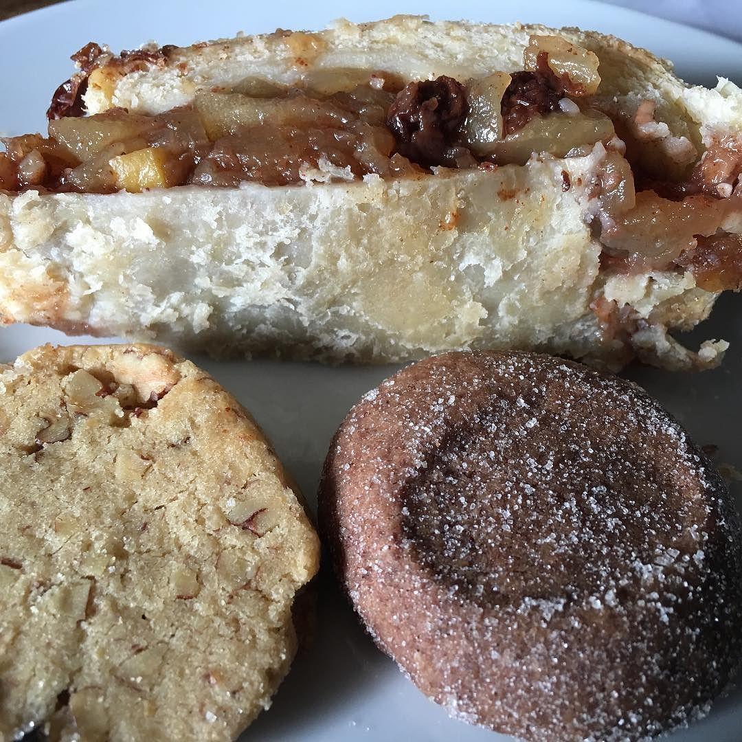 #strudel de #manzana #galleta de #chocolate #abuelita y #galleta de #nuez