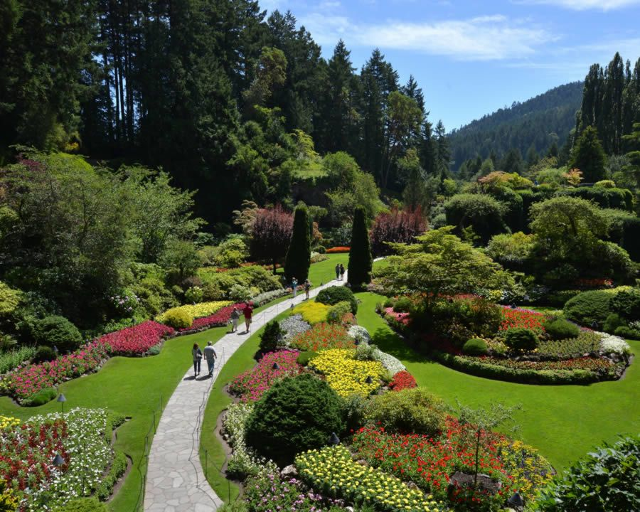 Bus tour to Butchart Gardens, head out on any departure and pick your own return #butchartgardens