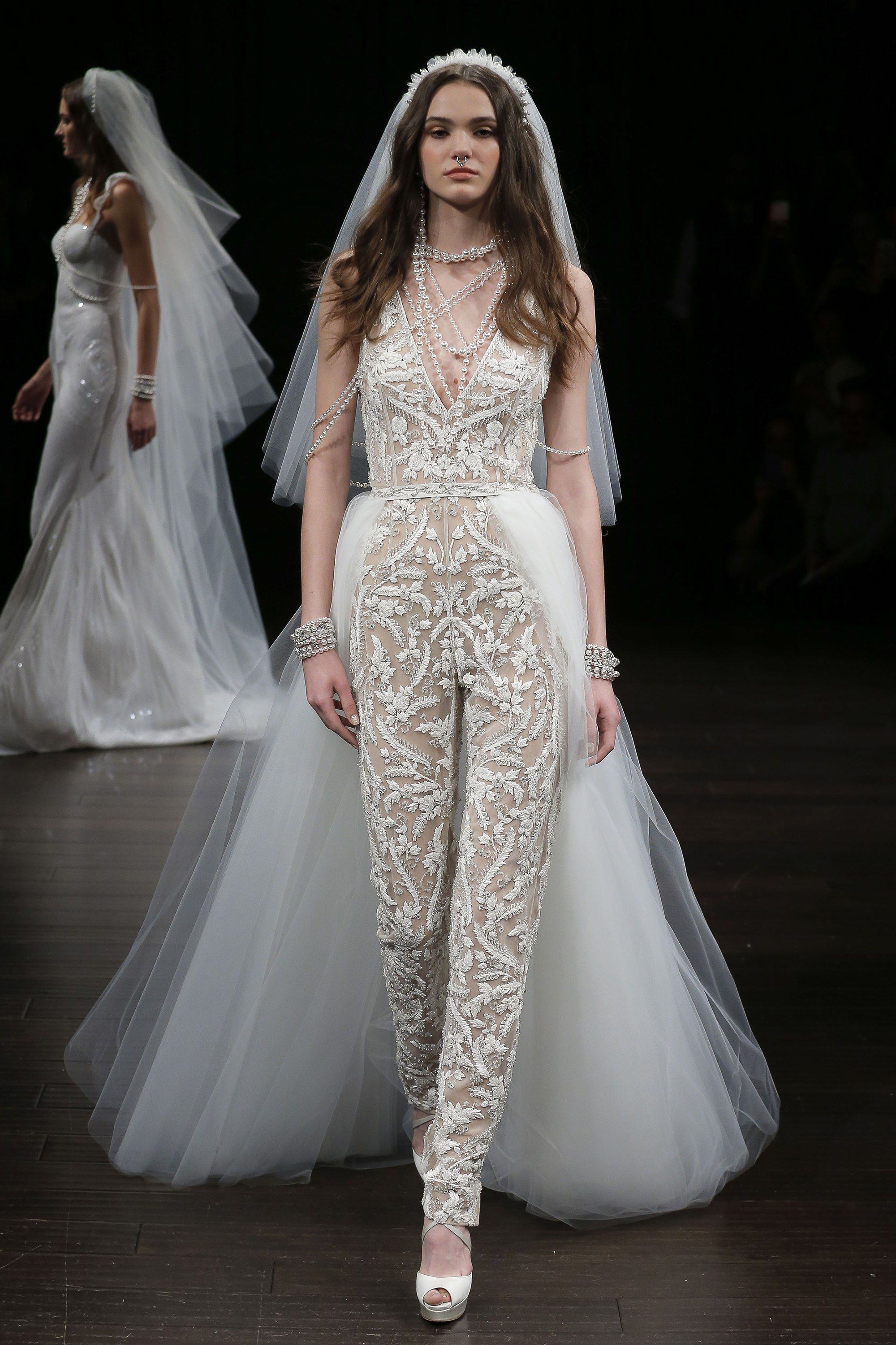 93c023914bd13 Naeem Khan Bridal Spring 2018 Collection Photos - Vogue