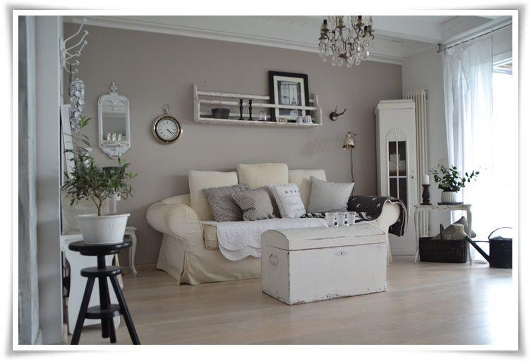 frau schwarz wandfarben traumhaus essen einrichtung wohnzimmer kaufen kreativ - Wohnzimmer Schick