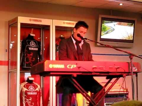toseland on piano - YouTube