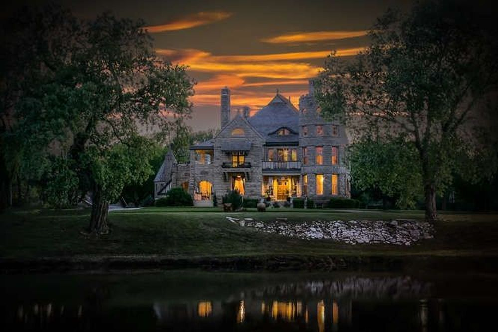 1155 N River Blvd Wichita Ks 67203 Mls 527777 Zillow Haunted Houses For Sale Haunted House Castle
