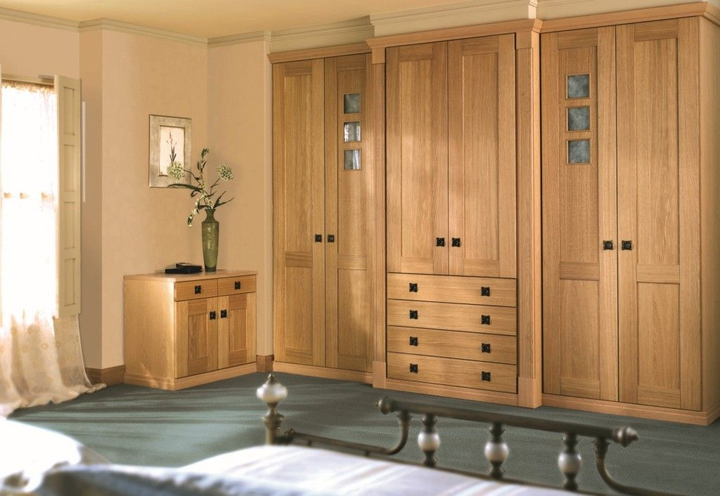 Best Furniture Awesome Huge Vintage Wardrobe Armoire Set With 400 x 300