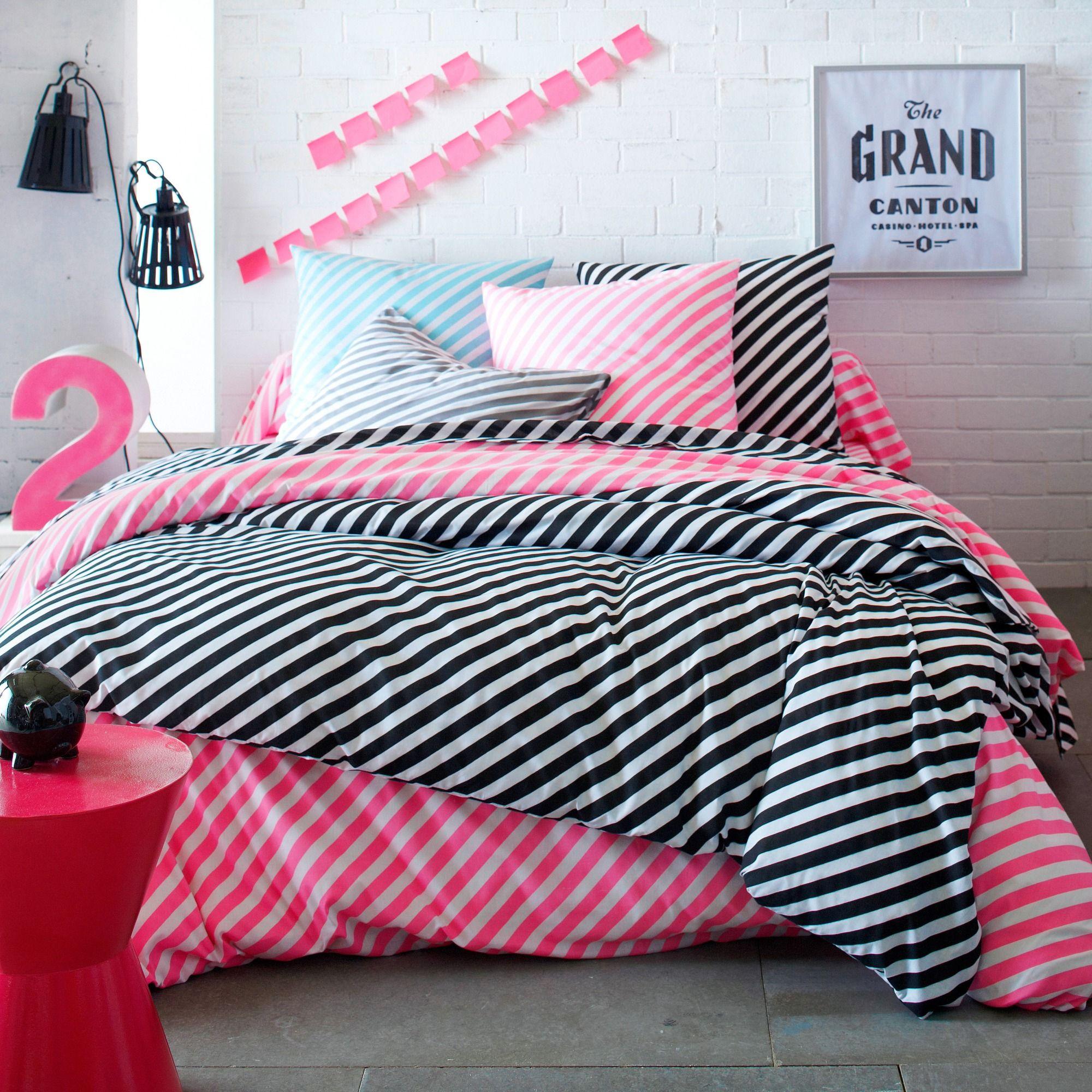 housse de couette ray e noir et blanc 1 ou 2 personnes. Black Bedroom Furniture Sets. Home Design Ideas