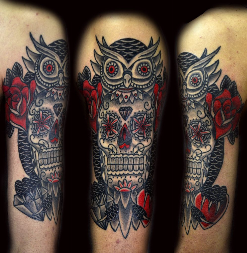 Simple owl tattoo men google zoeken uil pinterest for Owl and sugar skull tattoo