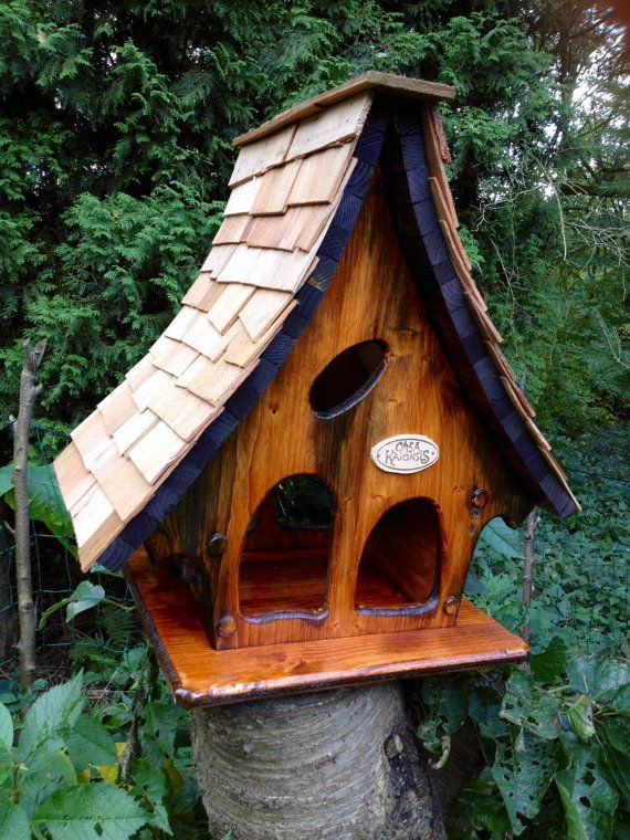 Etsy の Casa Kaiensis Vogelfutterhauschen By Casakaiensis