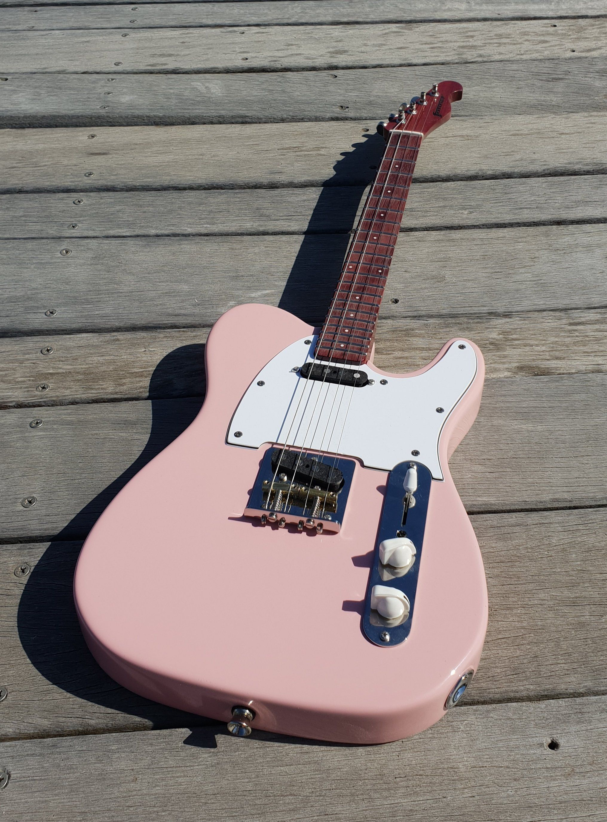 Baritone Pixelator Electric Ukulele Pink Body With Purple Heart Neck And Fretboard Gig Bag Included 19 Scale Guitar Acoustic Guitar Strings Guitar Strings